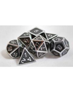 Metall svarta med silverkant, 7 tärningar