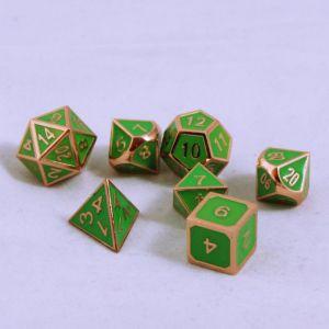 Metall grön med koppar kant, 7 tärningar