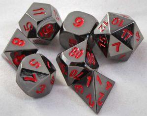 Metal svart med röda siffror, 7 tärningar