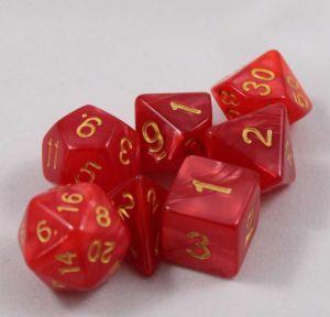 Röd melerade, 7 tärningar, guld siffror