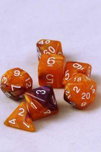 Orange/lila melerade, 7st tärningar, vita siffror